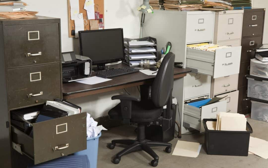 How To Organize Your Office By Using A Printing And Mailing Service